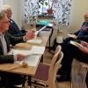 Lars Liwendahl och Hans-Gunnar Eklöf i auktionstagen, Foto: Peter Nordin